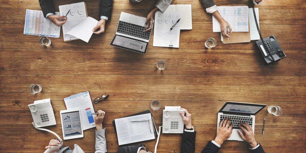 Top 7 CSR and Employee Volunteering Trends & Challenges